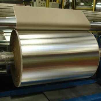 Aluminio laminado con material de aislamiento